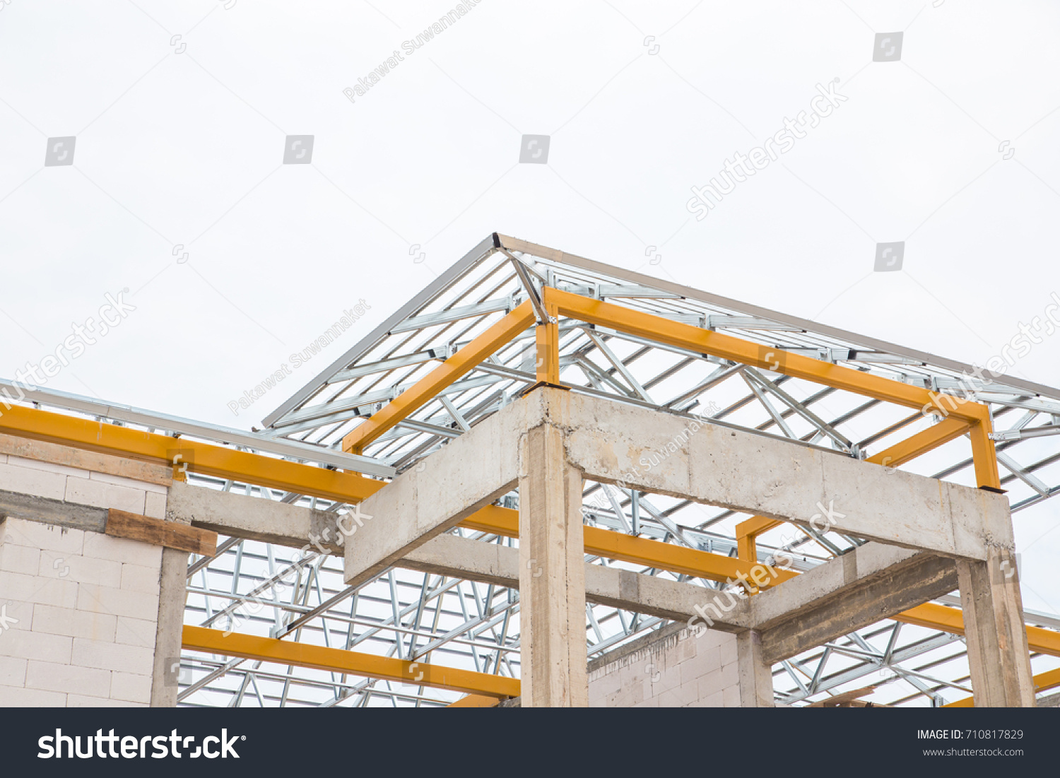 Structure of truss prefabricated steel roof frame in building ...