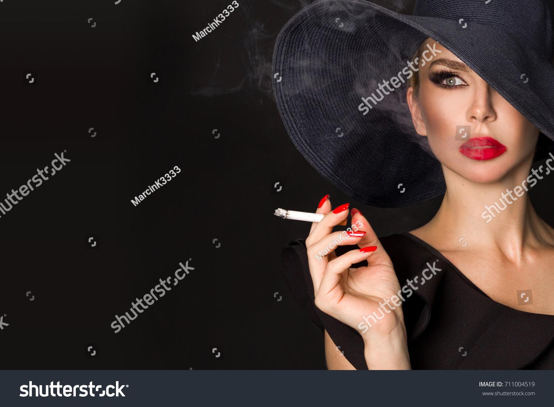 Elegant Woman Femme Fatale Black Hat Stockfoto (Jetzt bearbeiten ...
