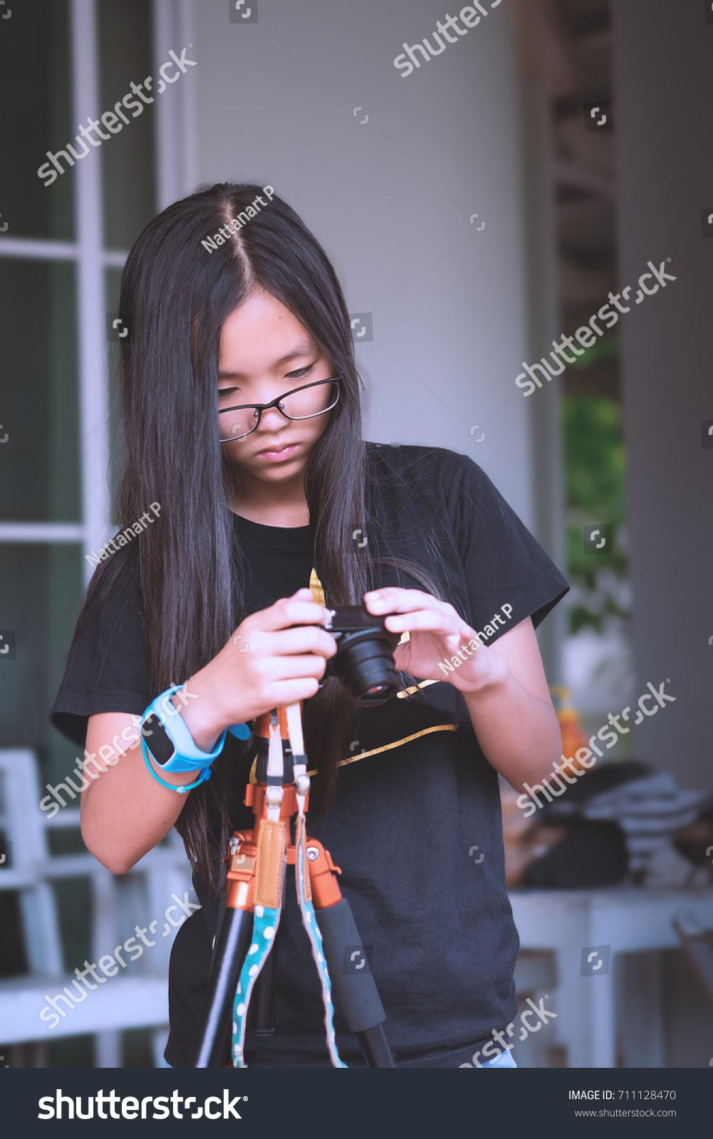 asiatische-aufrichtige-kamera