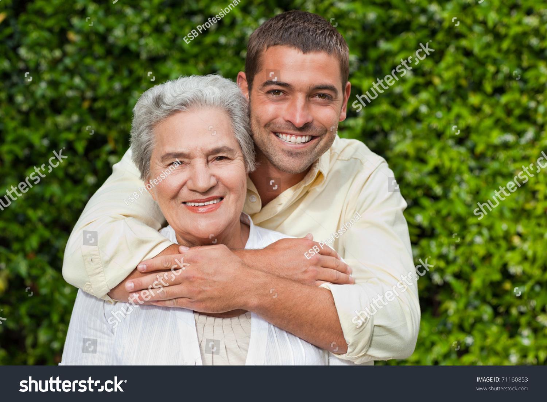 Рассказы сына как увидел мать в объятиях мужчины 23 фотография