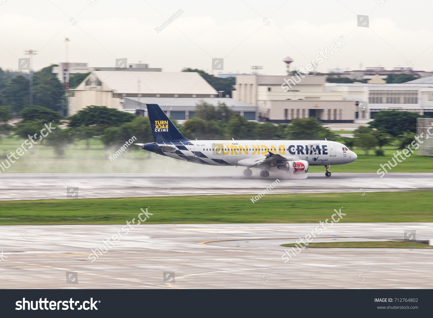 Bangkok Thailand 100917 Airasia Airbus A 320 Stock Photo Edit Now Jakarta Package 10 09 17 With A320 Turn Back Crime Livery