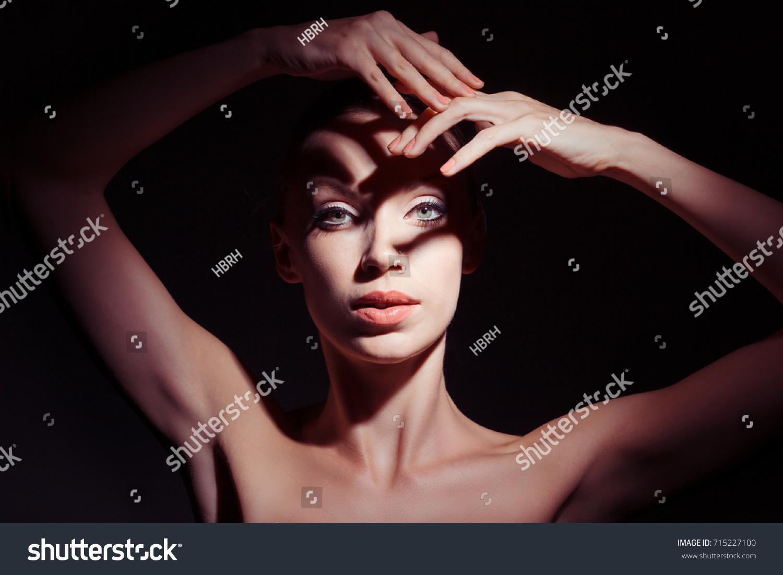 dance-face-sexy-european-nude-naked-beach-model