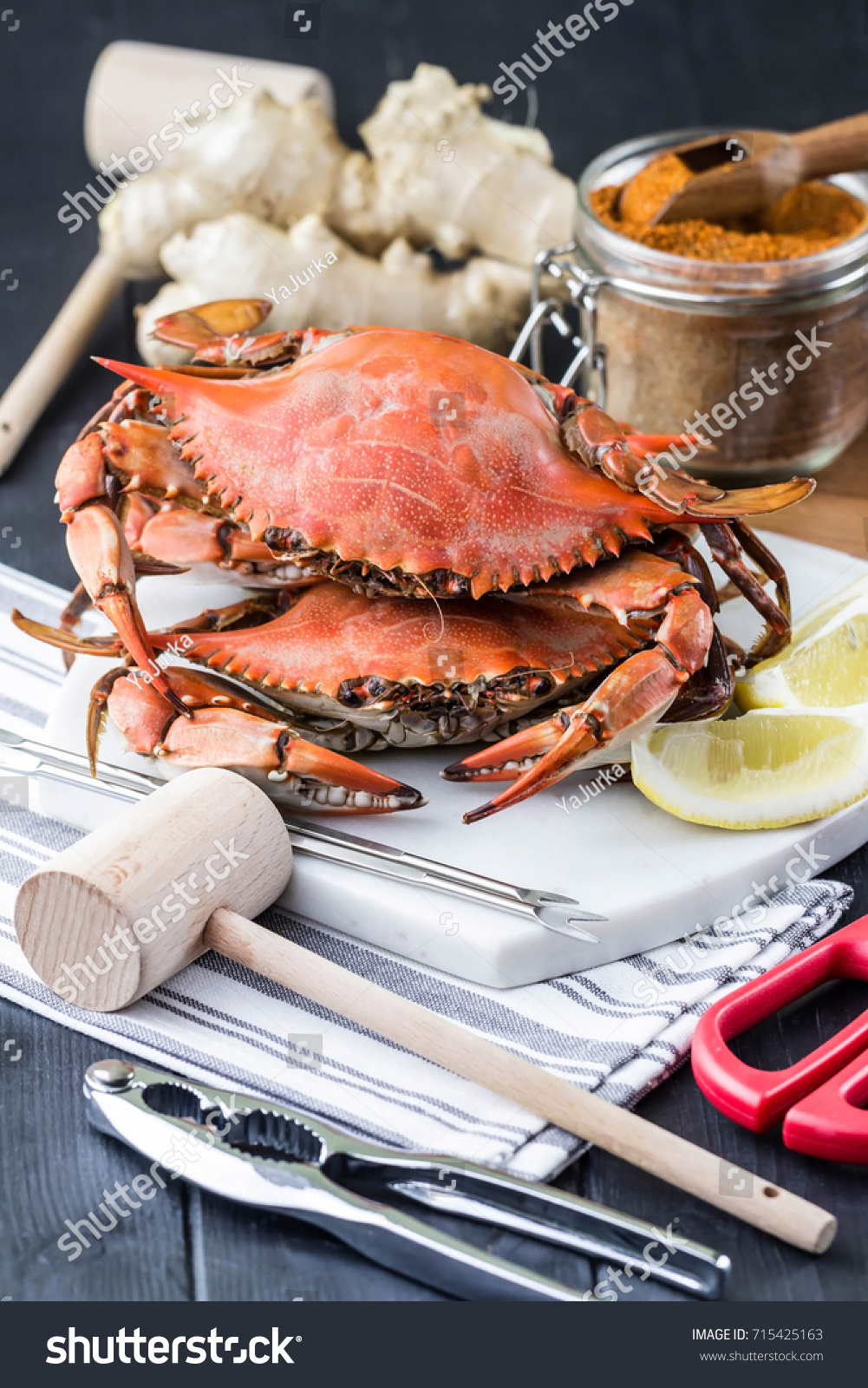 Maryland Blue Crabs Seafood Utensils ...