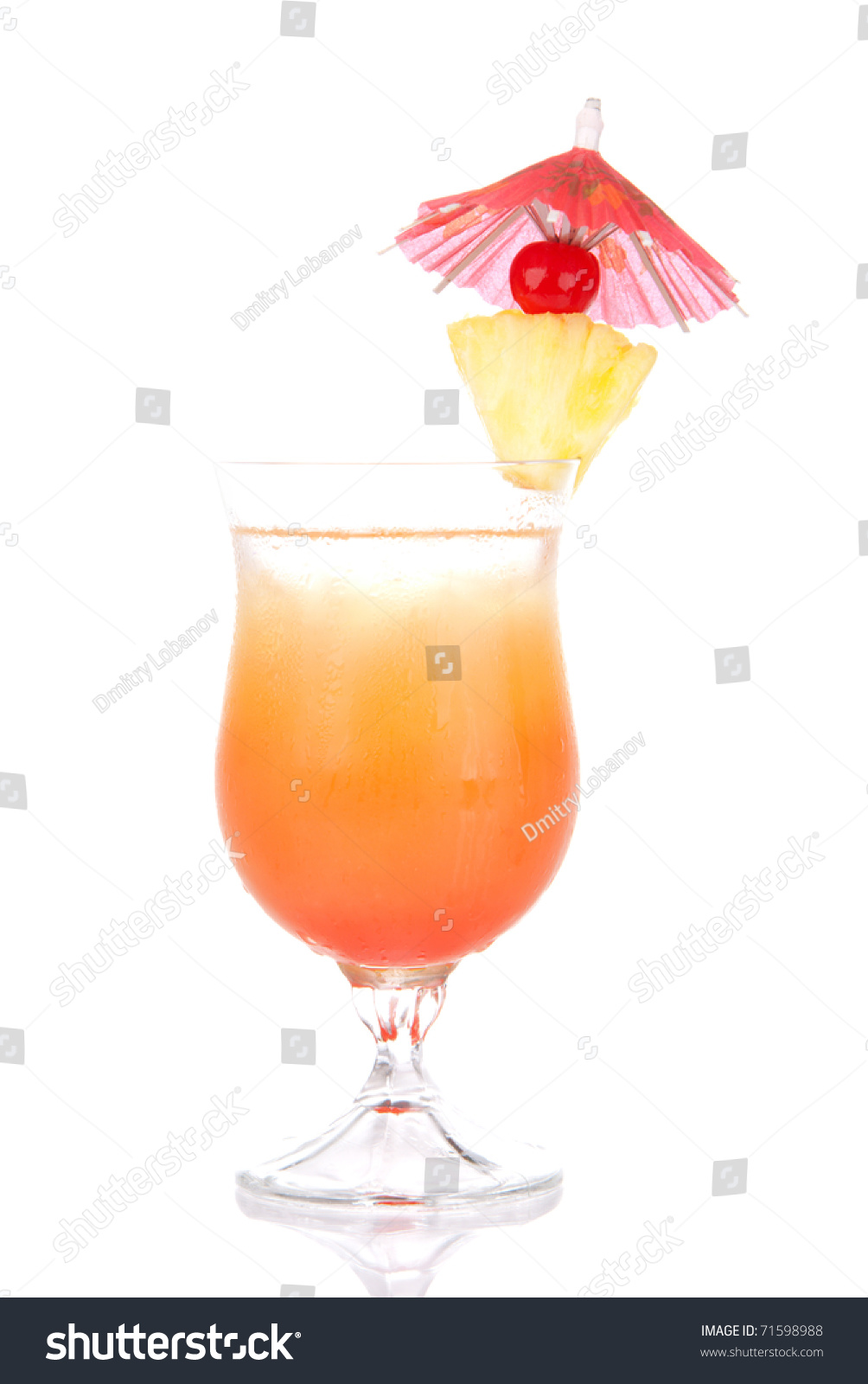 Tequila sunrise cocktail with ice triple sec pineapple for Cocktail triple sec
