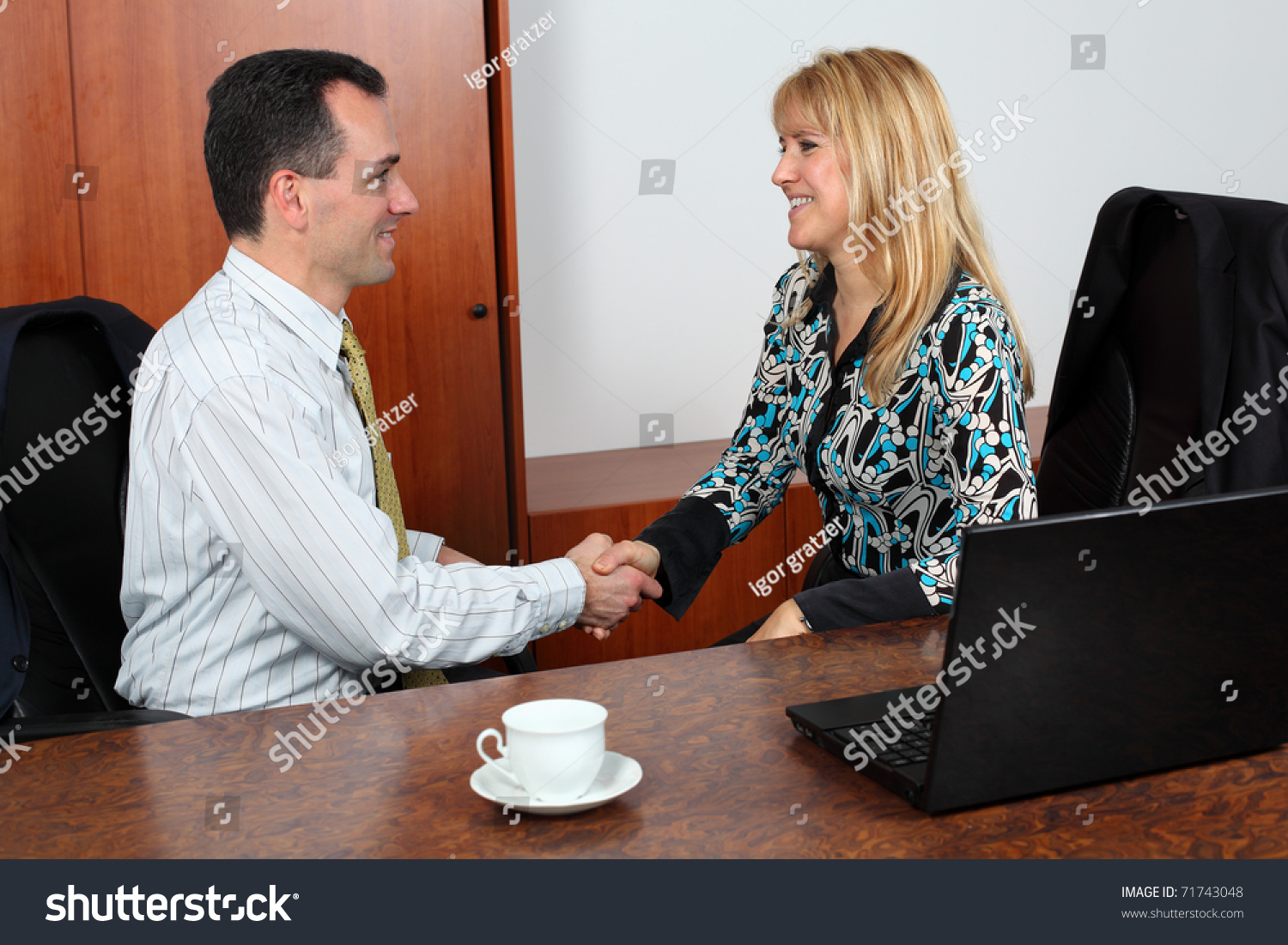 Business people shaking hands coming agreement stock photo 71743048 business people shaking hands coming agreement stock photo 71743048 shutterstock platinumwayz