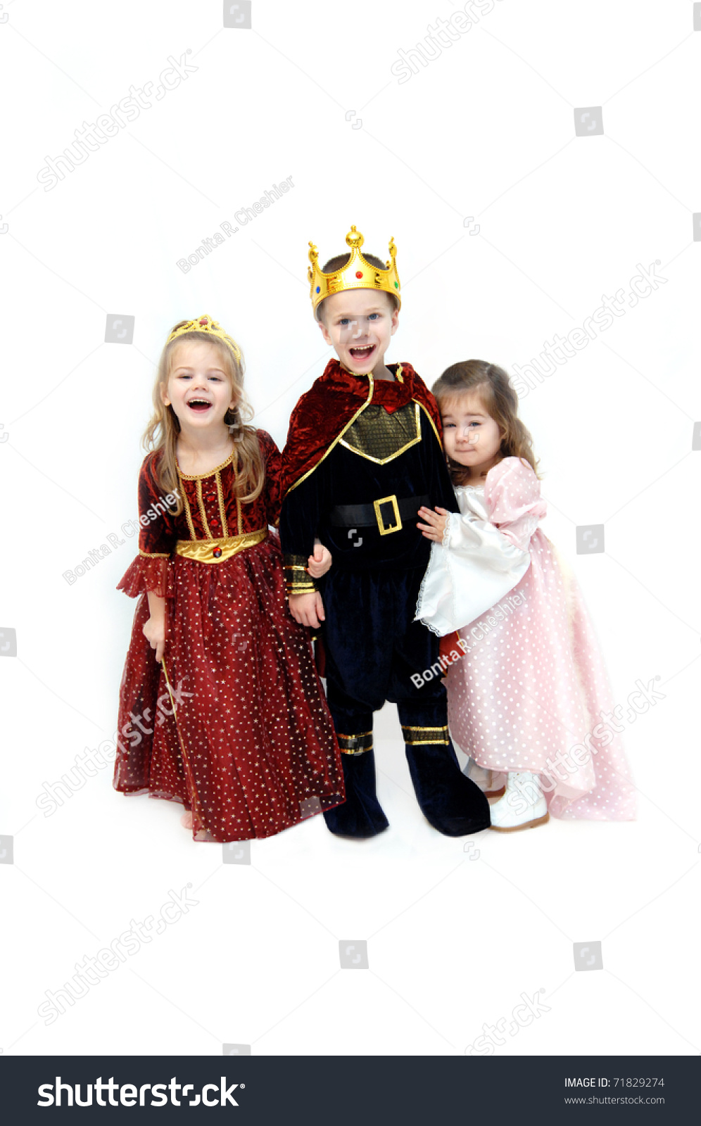 Dress up princess - Three Children Dressup As King Queen And Princess For Halloween Little Princess Is Leaning