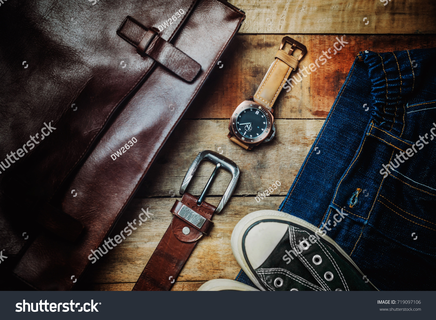 614e94f0 Men's Travel accessories plane travel Clothing accessories Apparel along  for the trip.