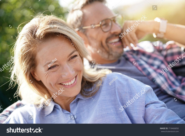 Perjantai-iltana valot interracial dating