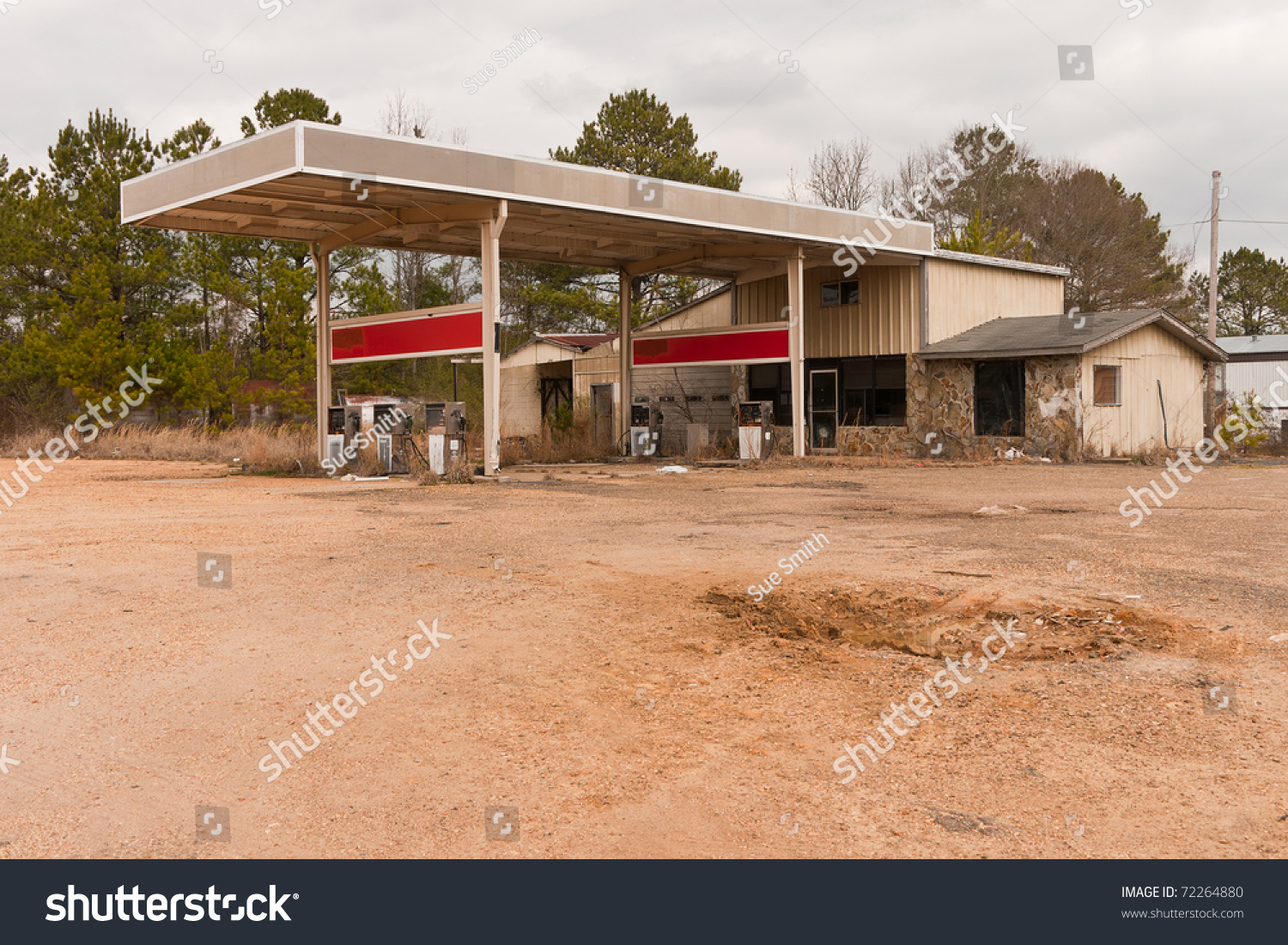 Abandoned gas station service station or automotive for Garage ms auto