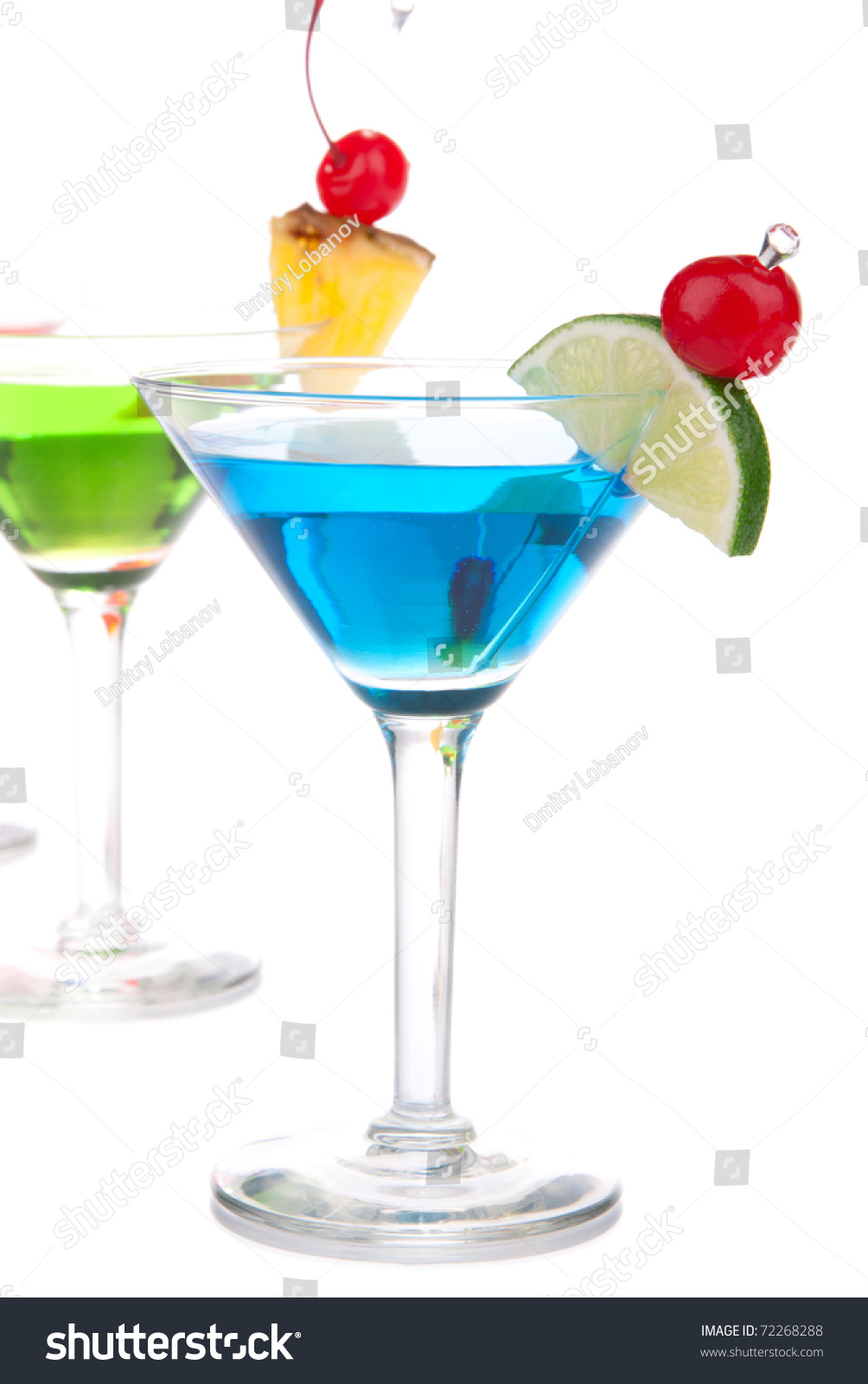 Top martini cocktail drinks blue and green with vodka for Light cocktails with vodka