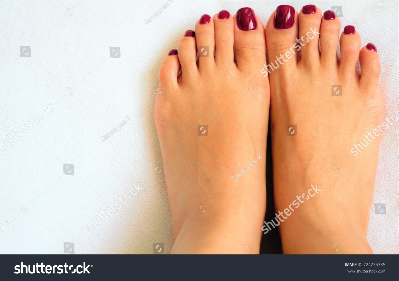 female toes