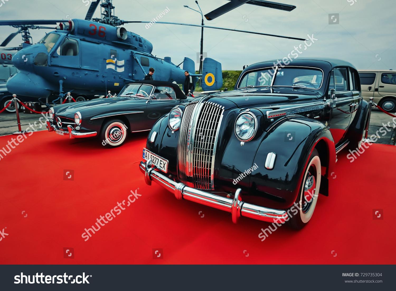 Kyiv Ukraine October 2017 Vintage Cars Stock Photo 729735304 ...