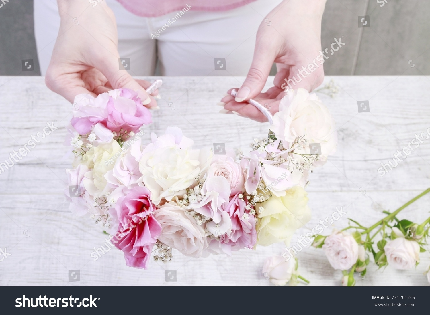Florist Work How Make Flower Crown Stock Photo Edit Now 731261749