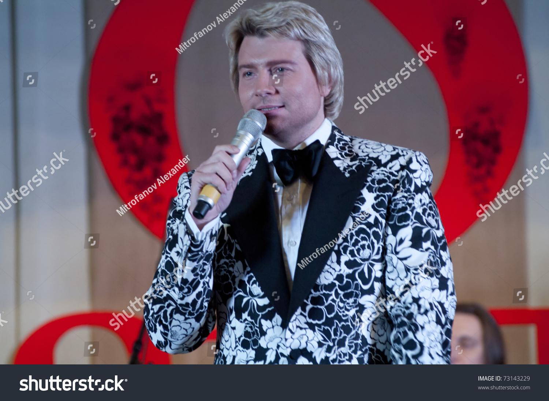 Nikolay Baskov kisses, but does not marry 12/28/2011