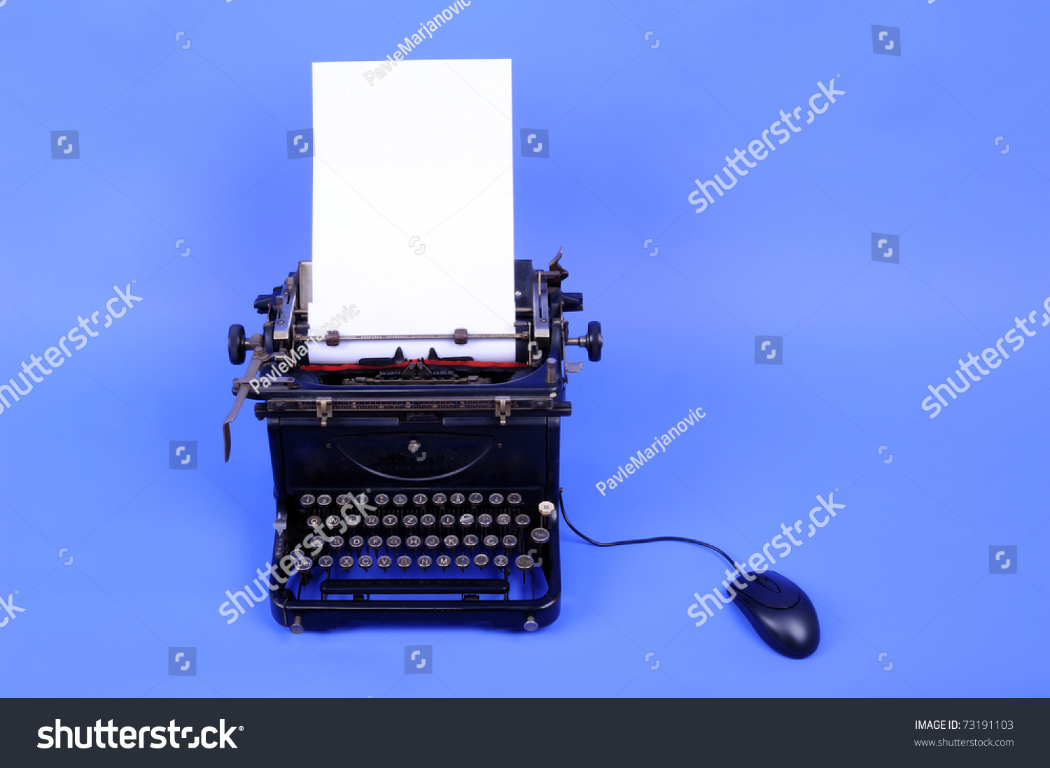 typewriter vs computer essay Just like a real manual typewriter the whole purpose of this program is to replicate features of a manual typewriter that computer programs such as word.