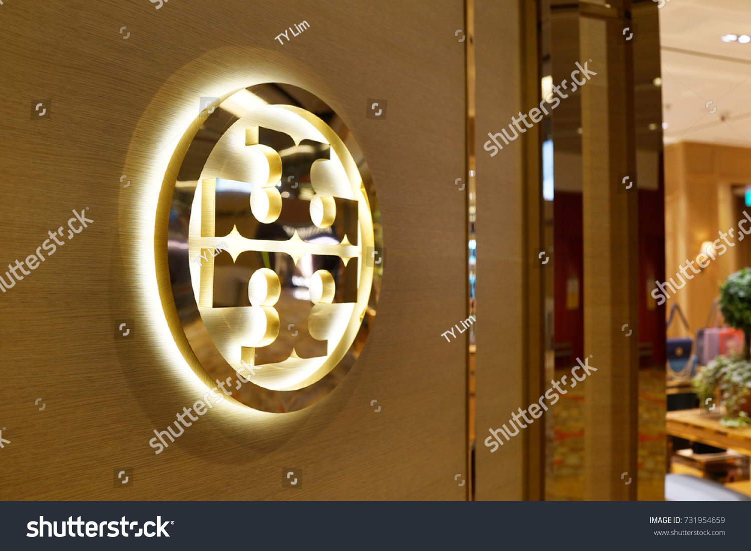 Singapore october 4 2017 tory burch stock photo 731954659 shutterstock singapore october 4 2017 tory burch logo on store front sign in changi buycottarizona Images