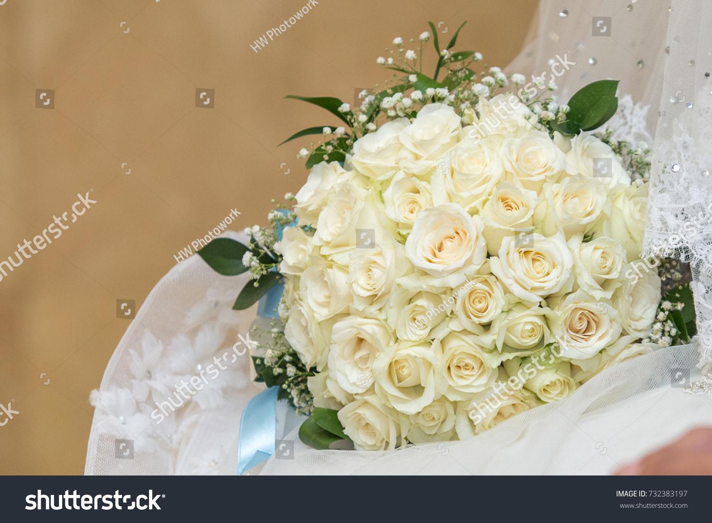 Bride holding wedding hand bouquet flower close up ez canvas id 732383197 izmirmasajfo