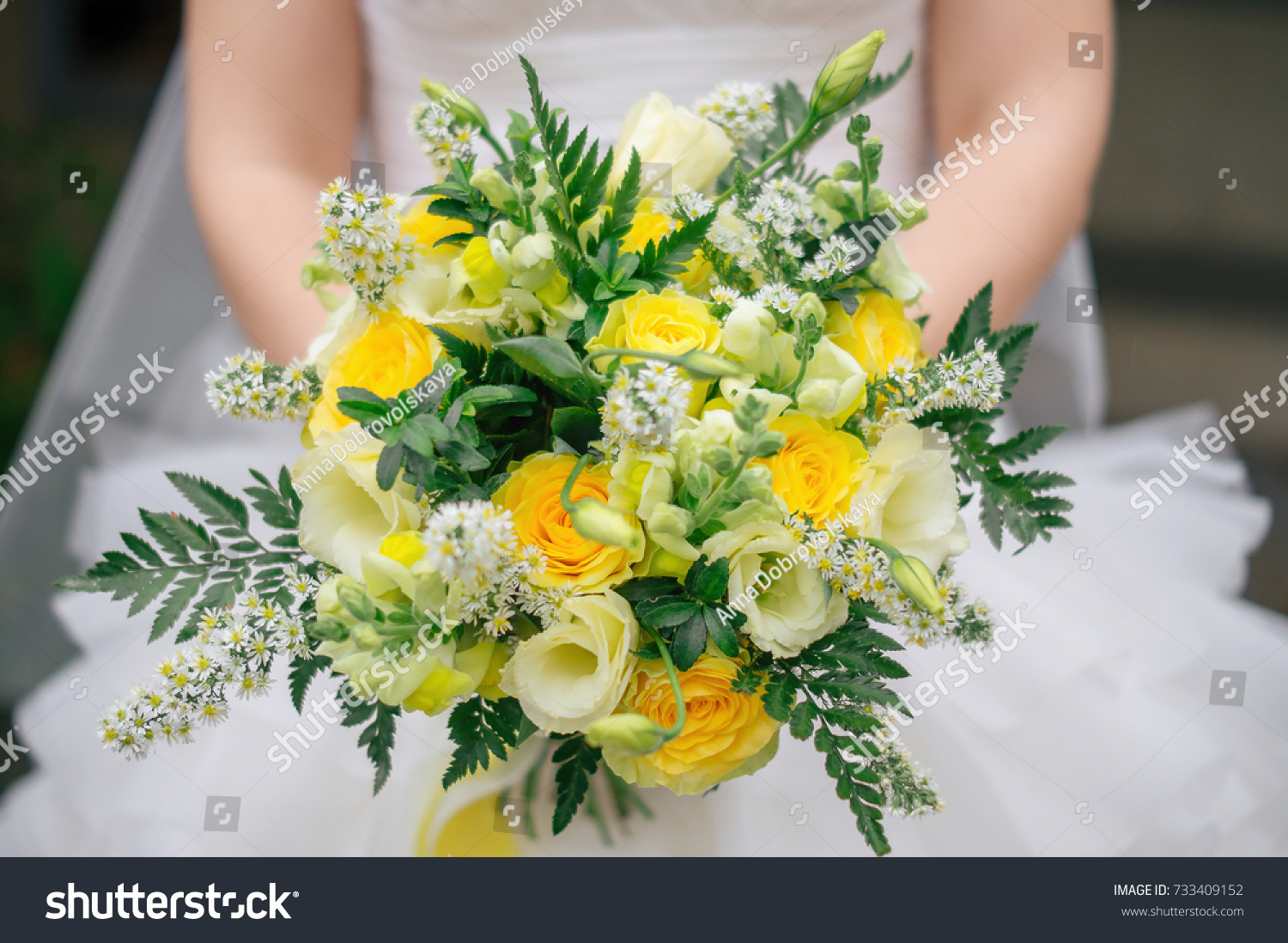 Bright Colorful Autumn Wedding Bouquet Yellow Stock Photo Edit Now 733409152