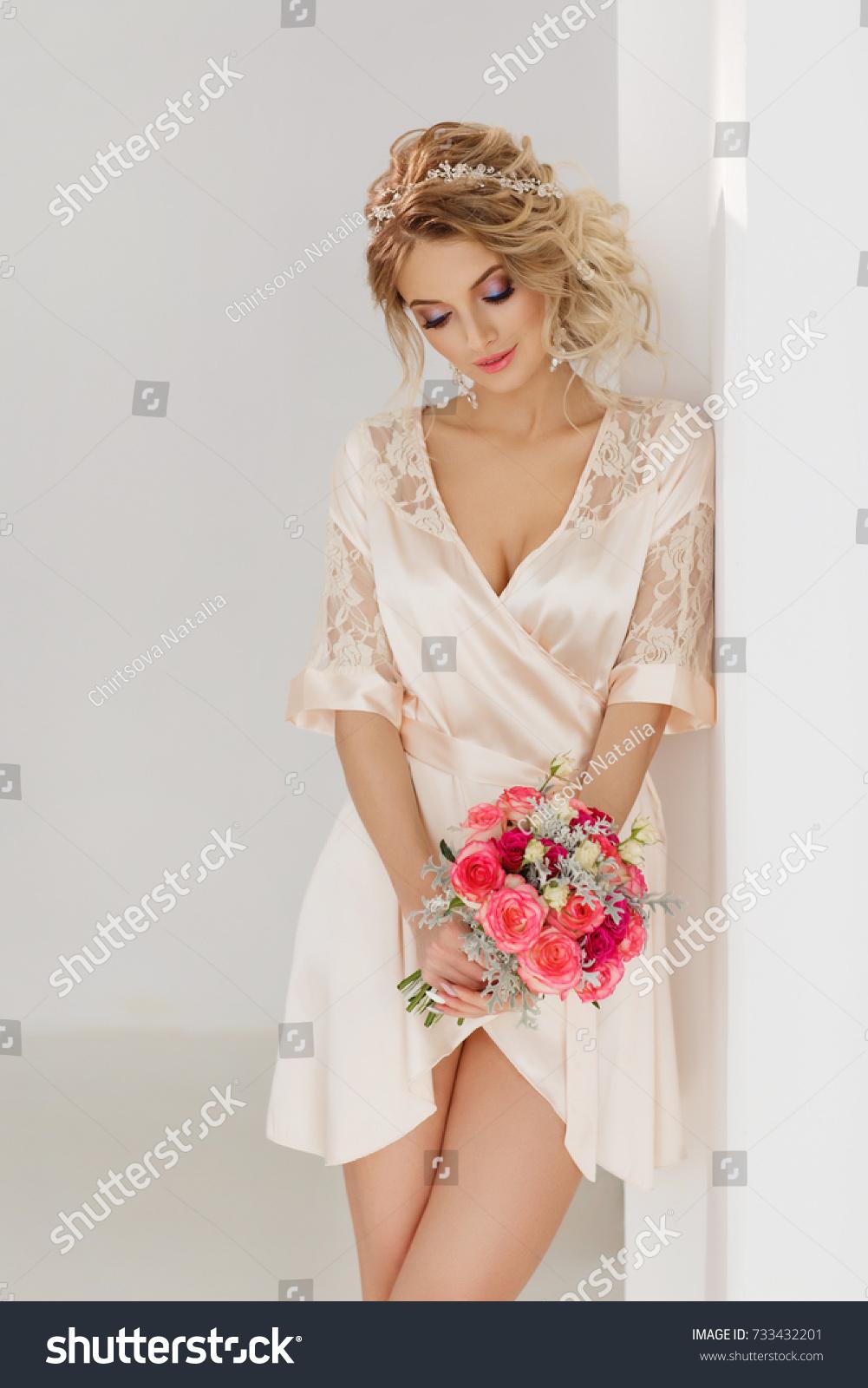 Portrait Beautiful Bride Wedding Bouquet Blonde Stock Photo (Royalty ...