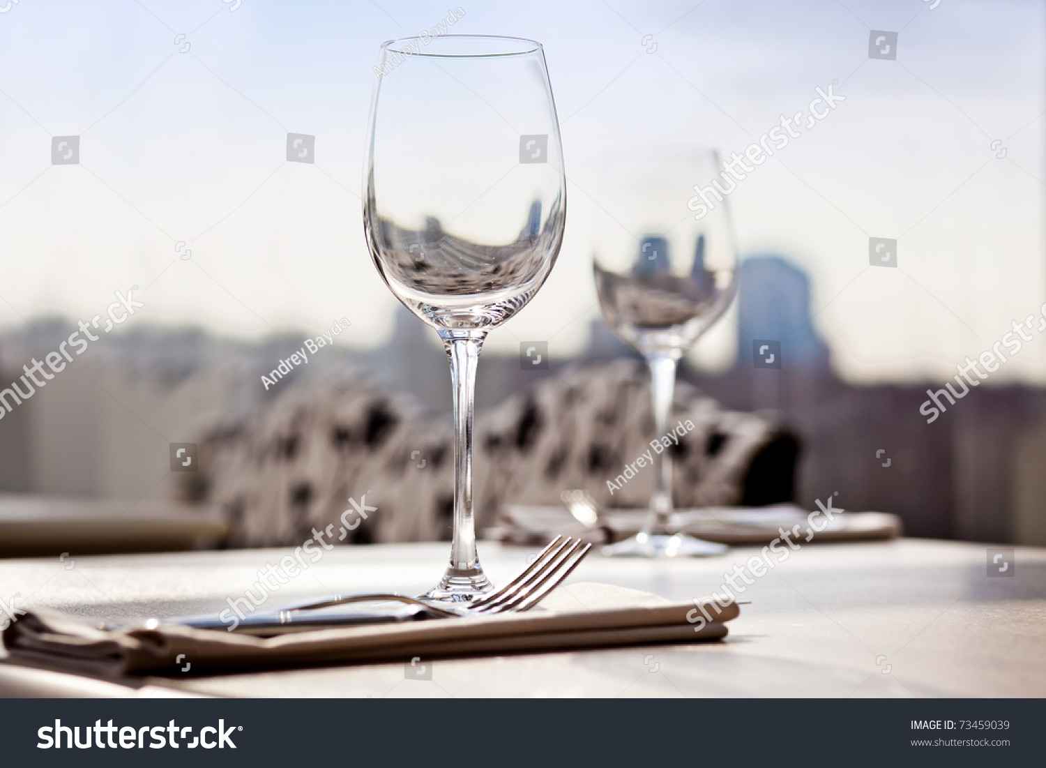 Fancy restaurant table setting - Fine Restaurant Dinner Table Place Setting Napkin Wineglass