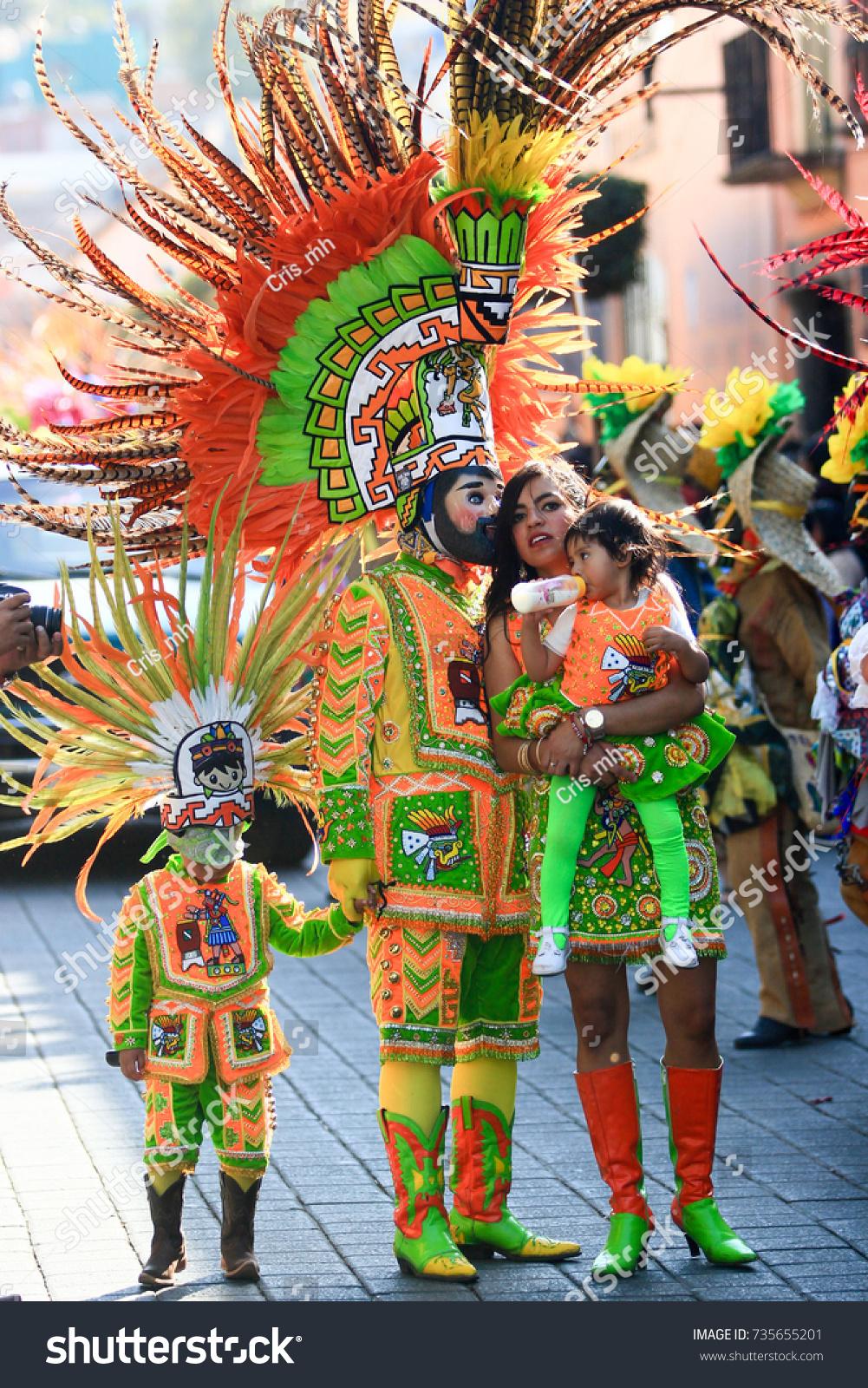 Tlaxcala Mexico February 23 Mexican Family Stock Photo 735655201