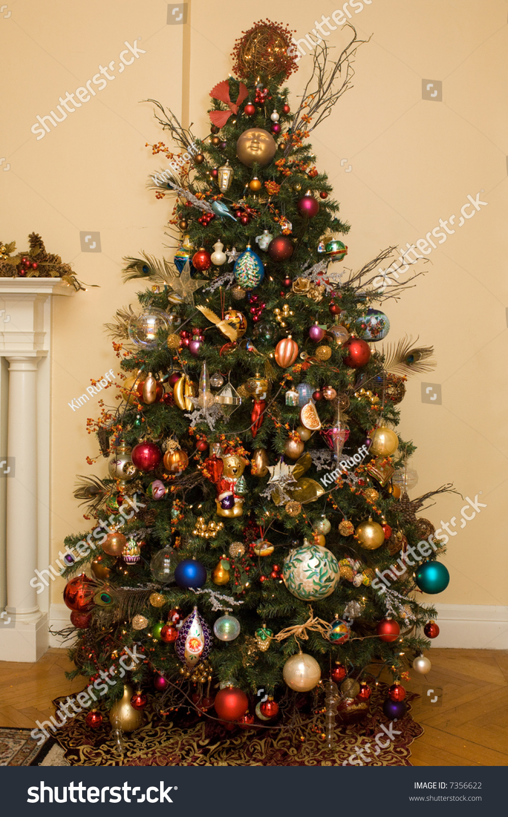Beautifully Decorated Christmas Tree Stock Photo 7356622