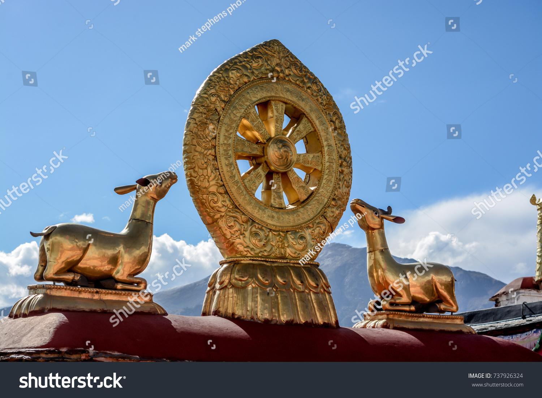 stock-photo-view-of-the-himalayan-mounta