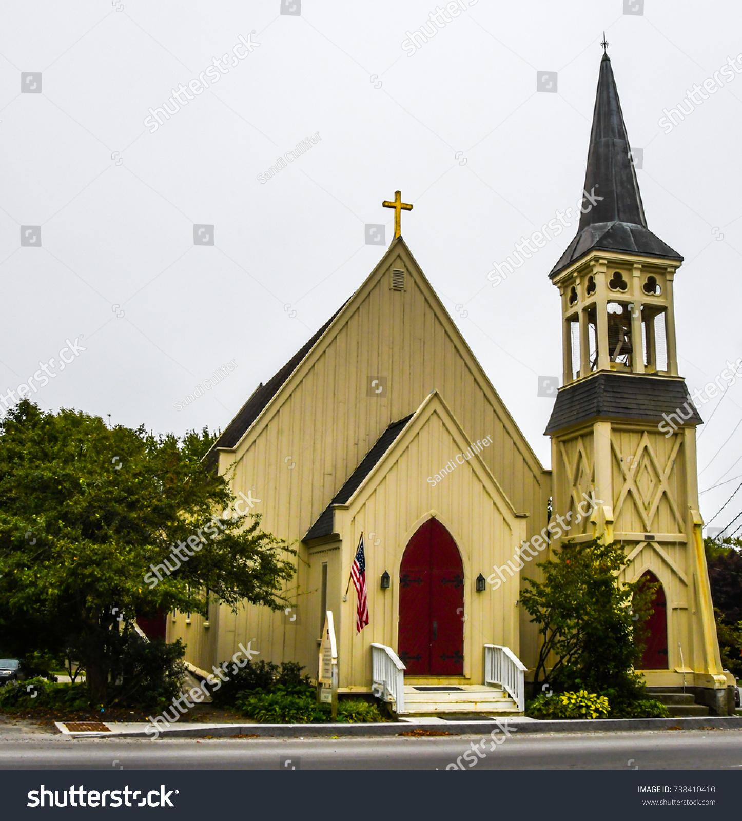Red Front Door On Episcopal Church Stock Photo Edit Now 738410410