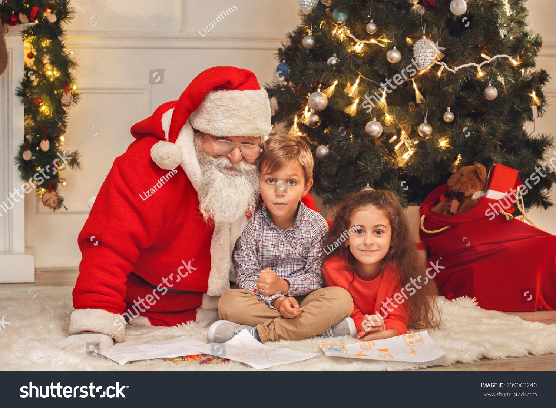 Santa Claus Kids Indoors Christmas Celebration Stock Photo Edit Now 739063240