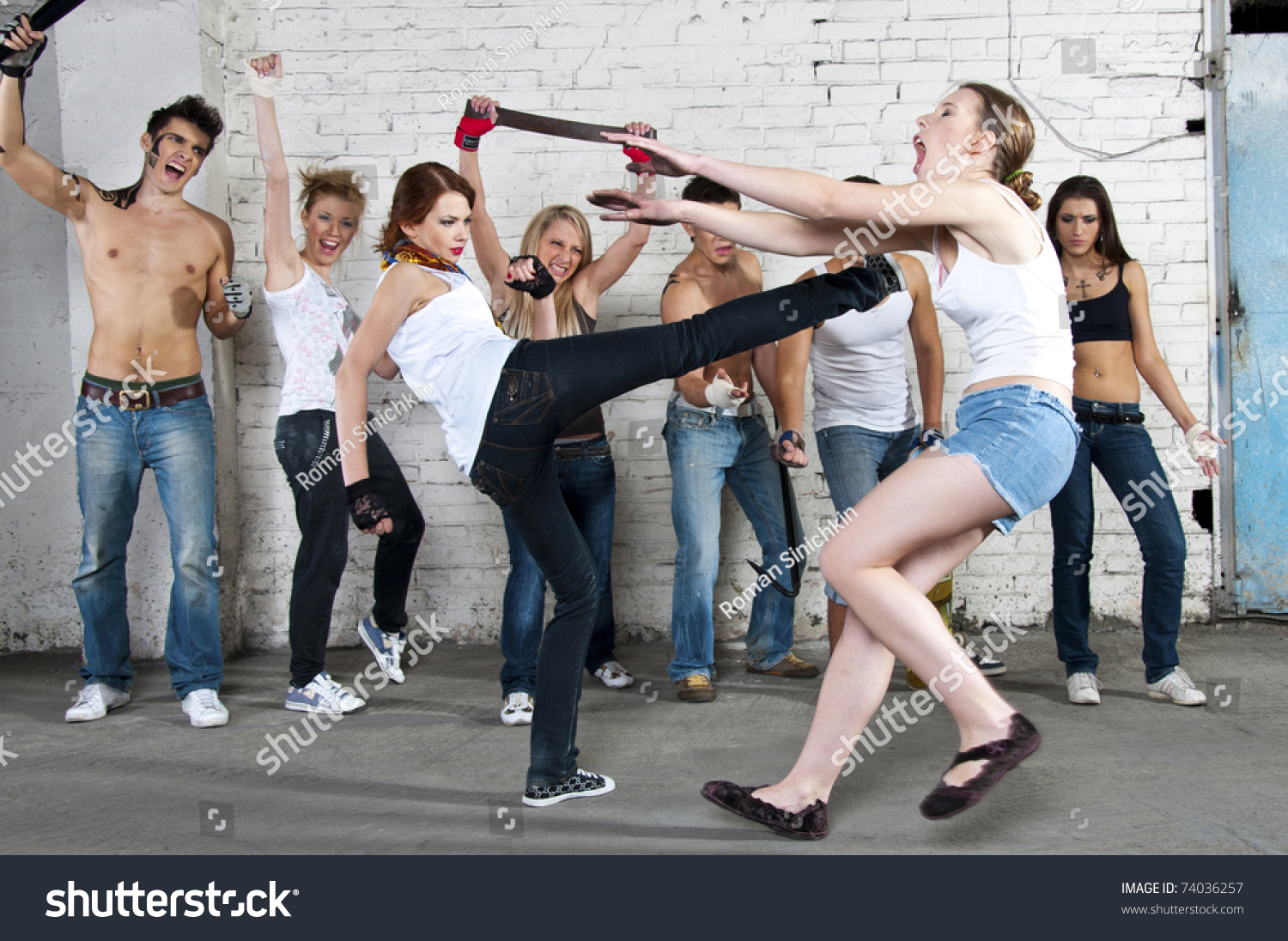 girl fight on street