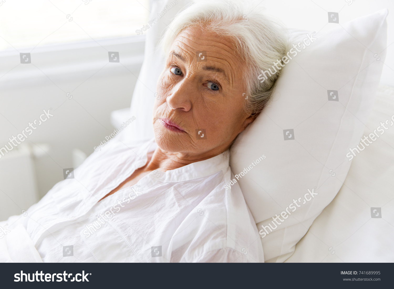 old people in bed