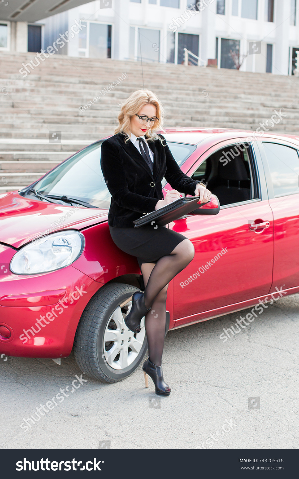Auto Insurance Agent Stock Photo 743205616 - Shutterstock