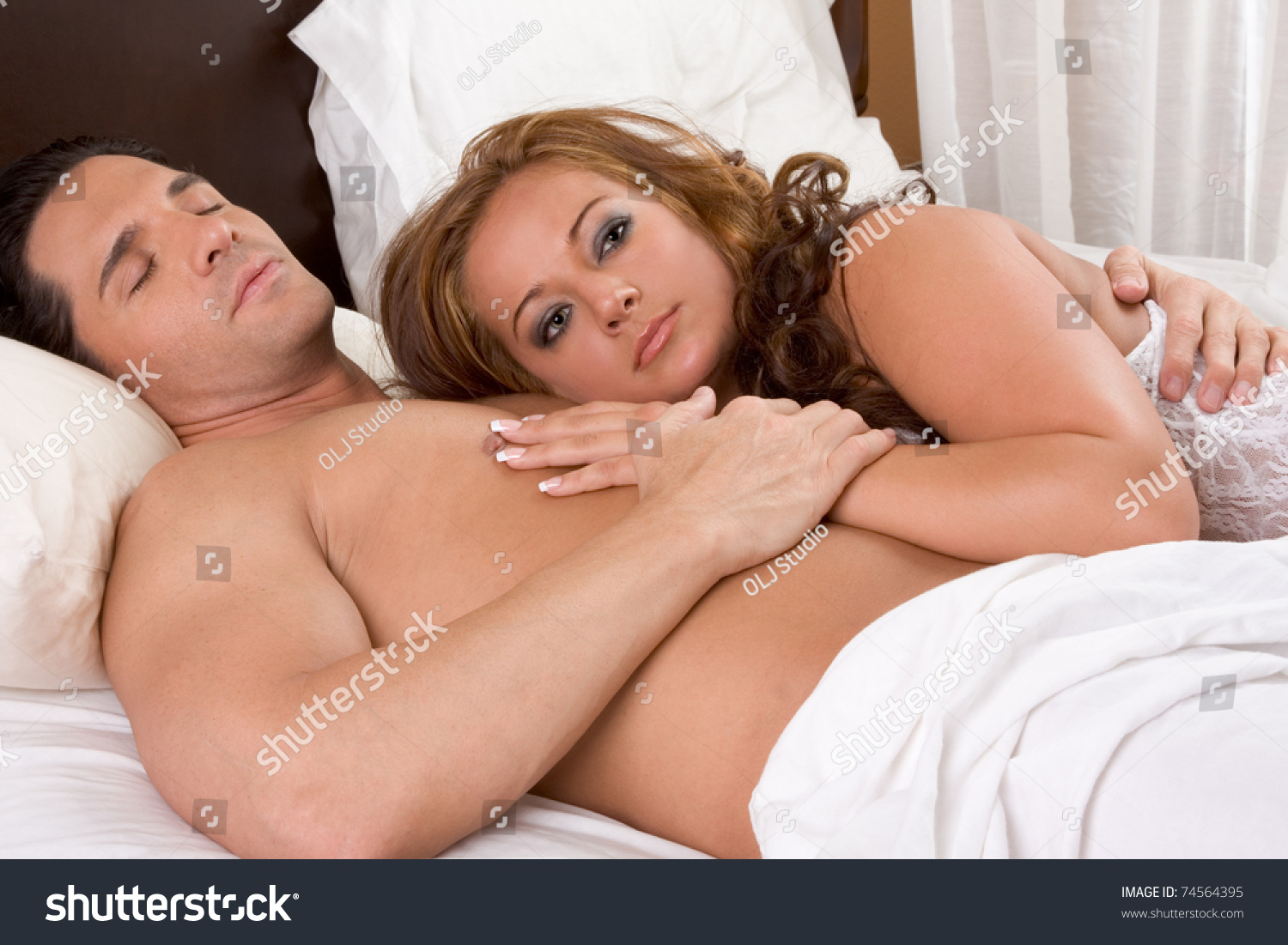 Female severe pain first penetration