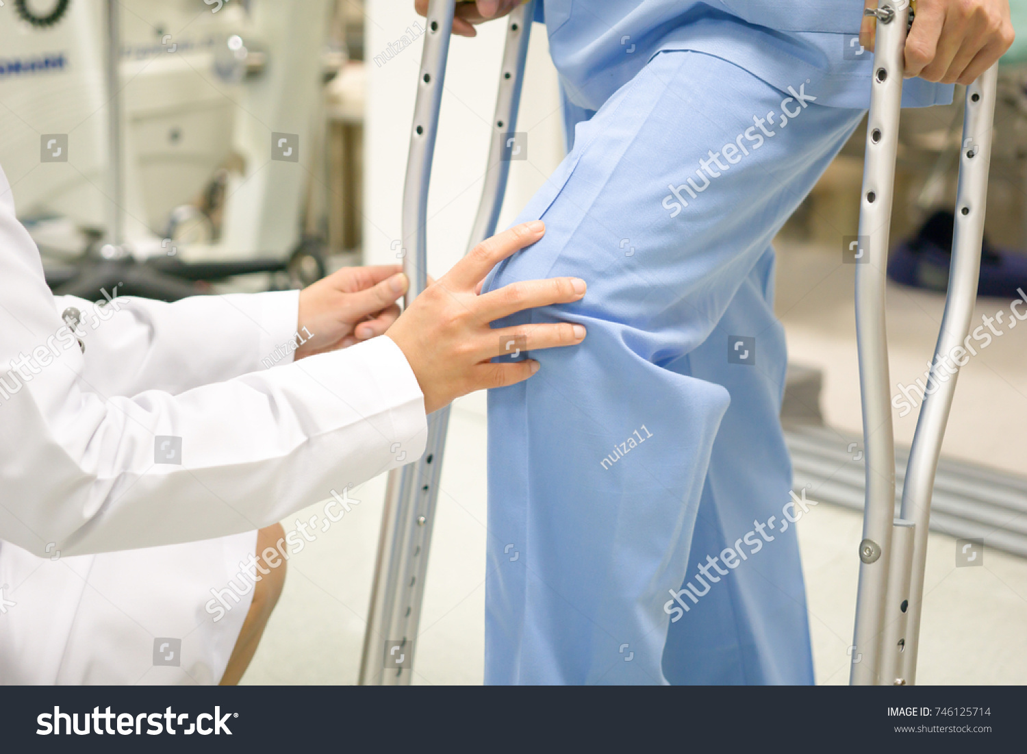 Medical and healthcare concept, Doctor is checking the patient's knee symptoms. #746125714