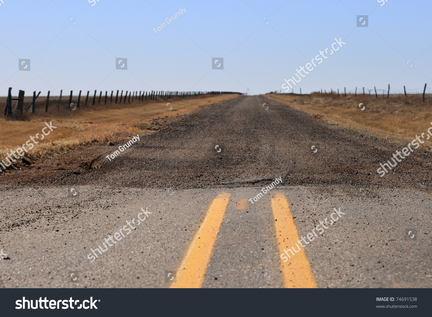 End Paved Road Where Turns Into Stock Photo 74691538 - Shutterstock