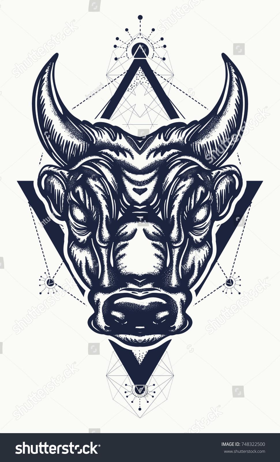Bull Tattoo Tshirt Design Ancient Rome Stock Vektorgrafik