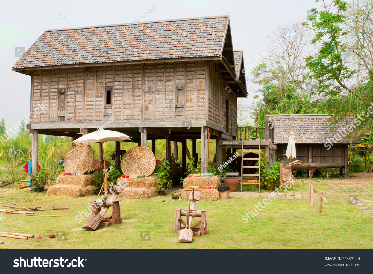 Old thai house stock photo 74853244 shutterstock for Thai classic house 2