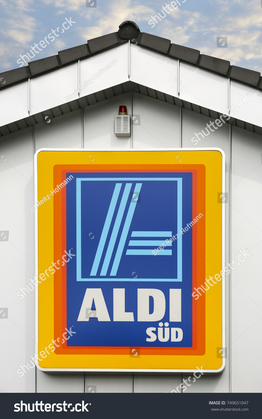 Linden germany july 2017 aldi southsupermarket stock photo linden germany july 2017 aldi southsupermarket chain sign aldi biocorpaavc