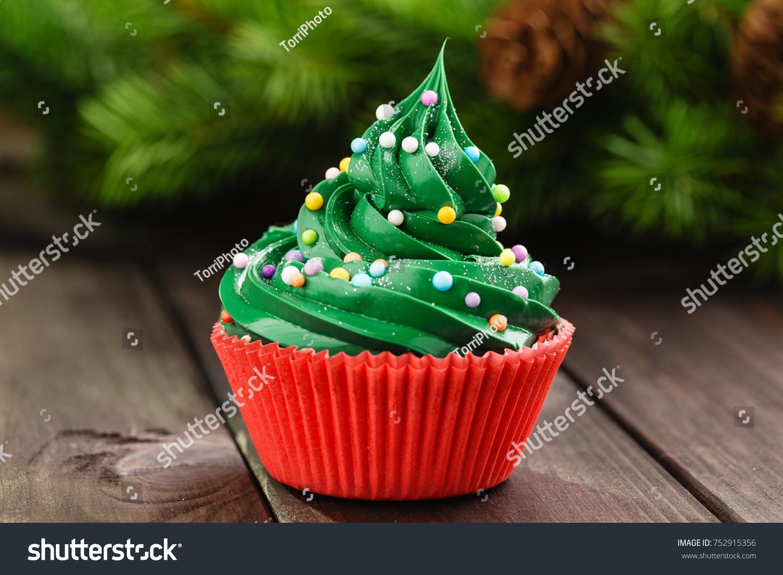 Christmas green cupcake