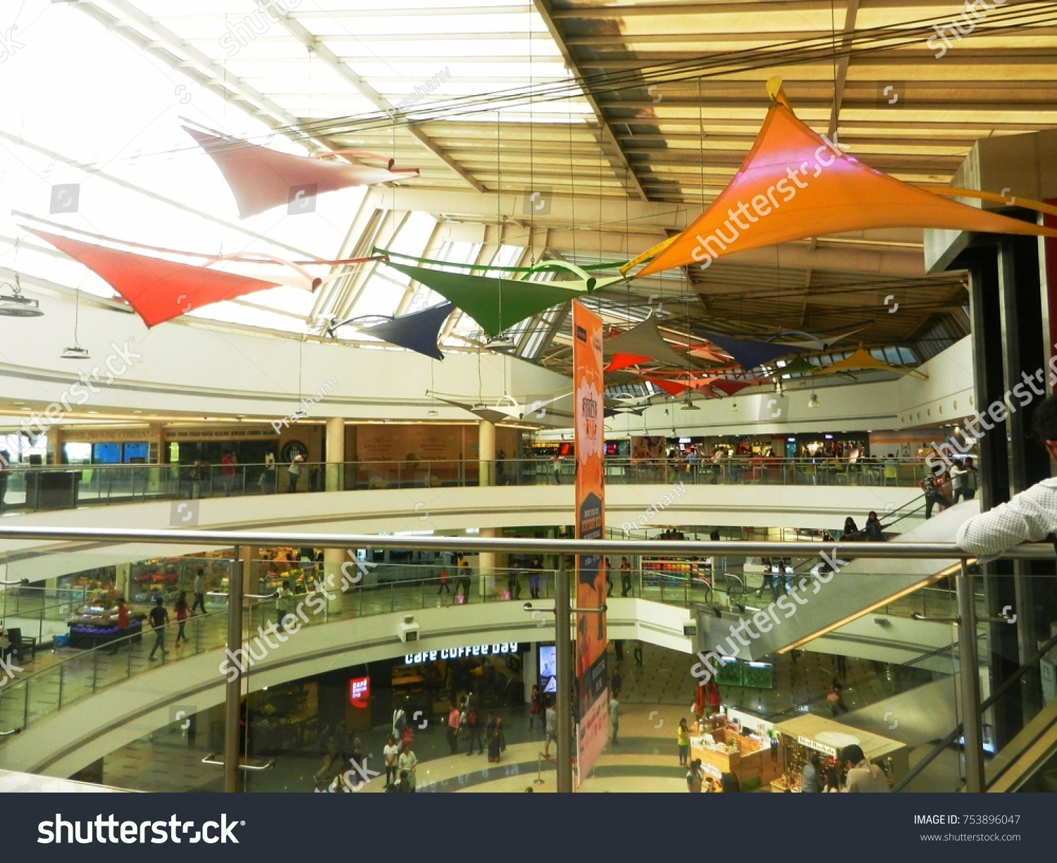 Shopping center Airplane (Ulyanovsk): everything you need for shopping and recreation