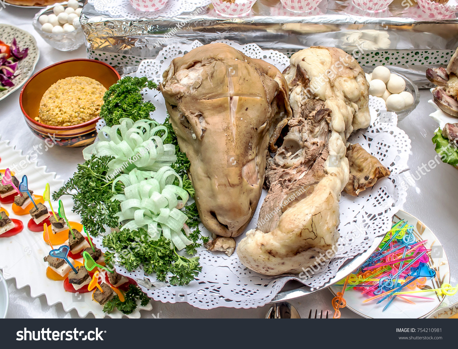 Kazakh National Foodboiled Lamb Head Stock Photo 754210981 ... for Lamb Head Food  174mzq
