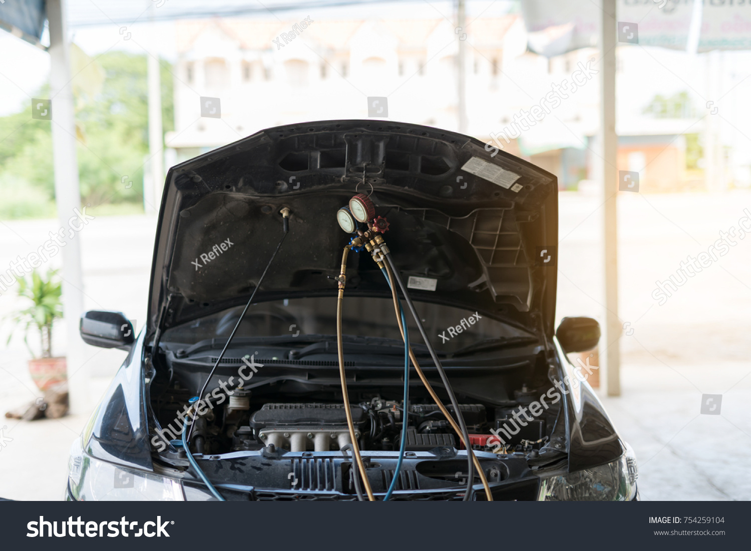 Car Air Conditioner Check Service Leak Stock Photo 754259104 ...