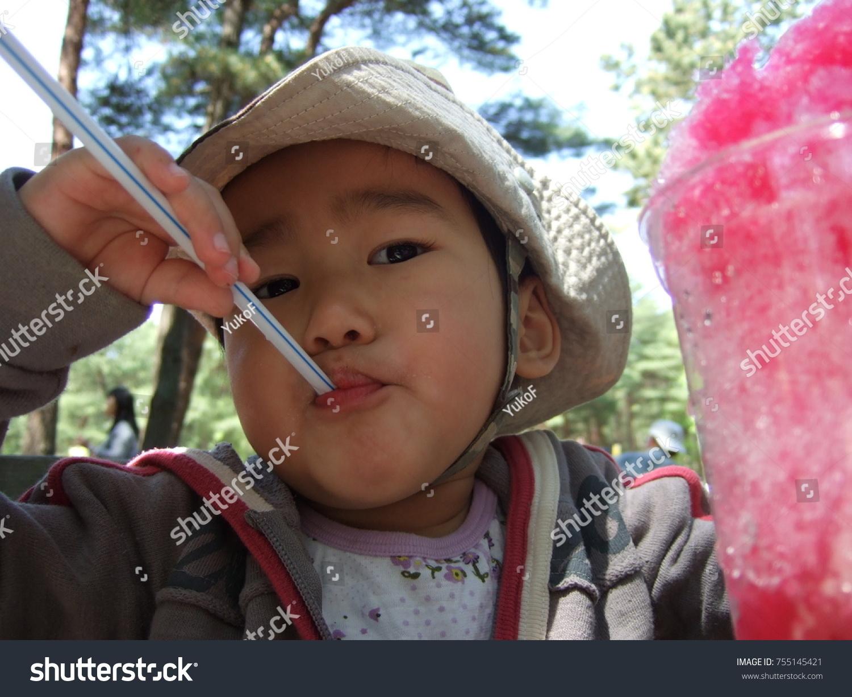 naked-asian-girl-shaving
