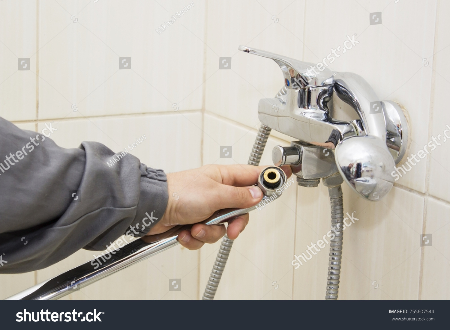 Plumber Hands Fixing Water Tap Spanner Stock Photo 755607544 ...