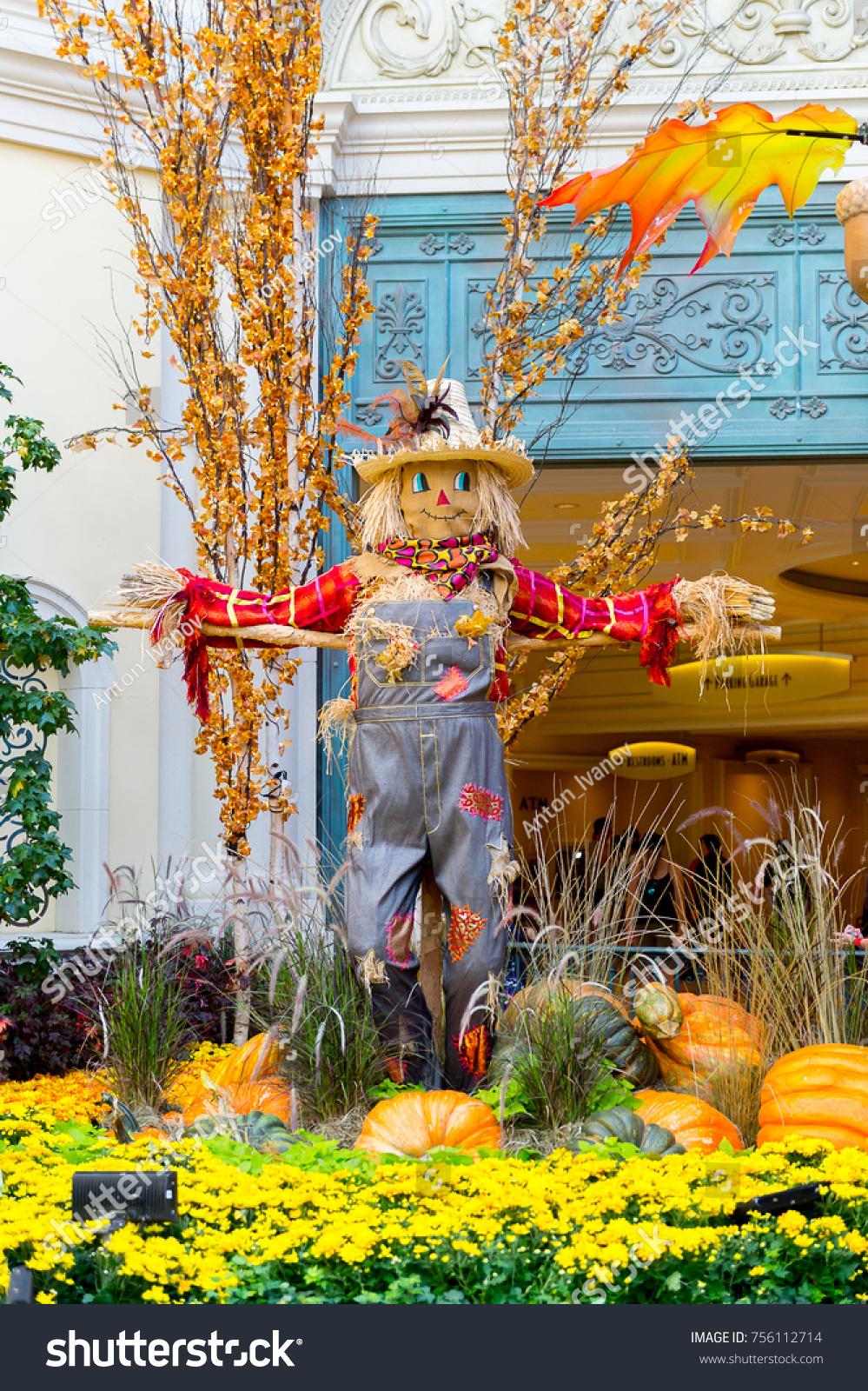 Las vegas usa sep 21 2017 stock photo edit now 756112714 las vegas usa sep 21 2017 scarecrow in conservatory in bellagio izmirmasajfo