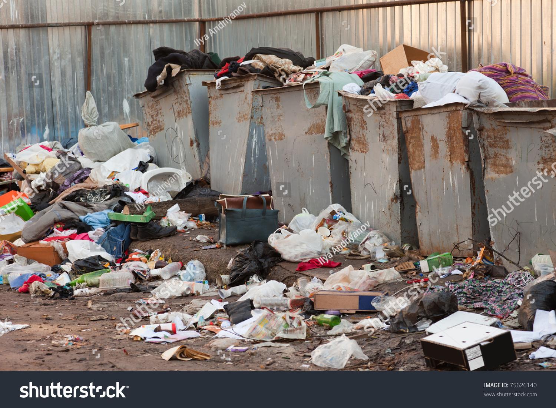 Секс возле мусорных баков 21 фотография