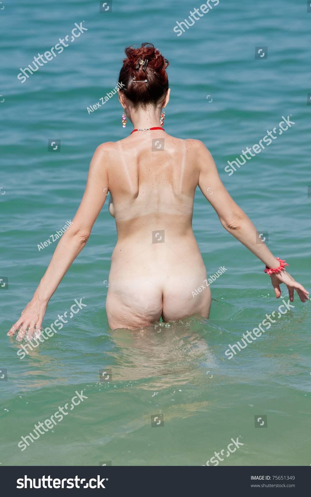 Hot sexy girls skinny dipping