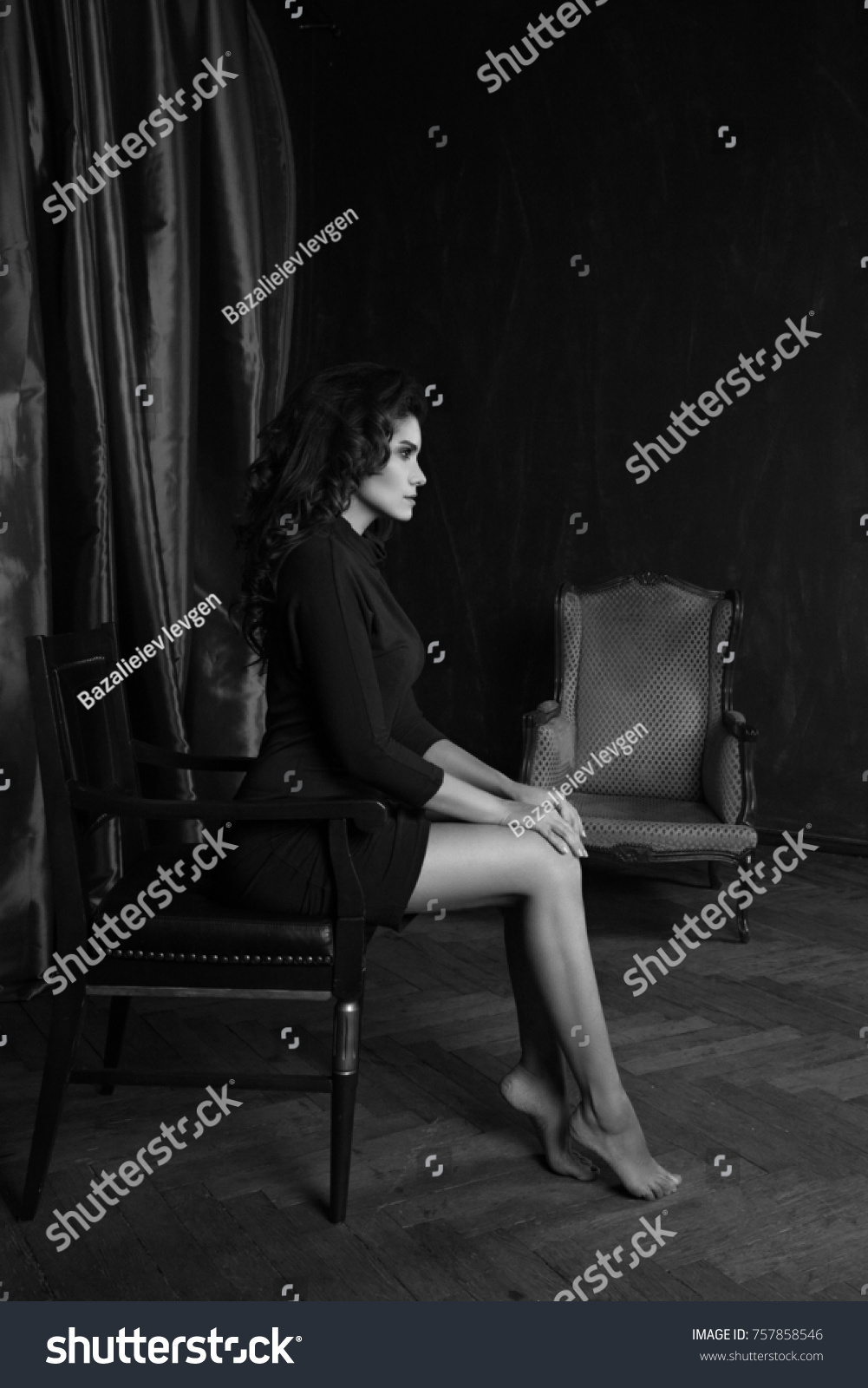 Elegant woman portrait studio shot black and white bw portrait of attractive brunette sexy girl