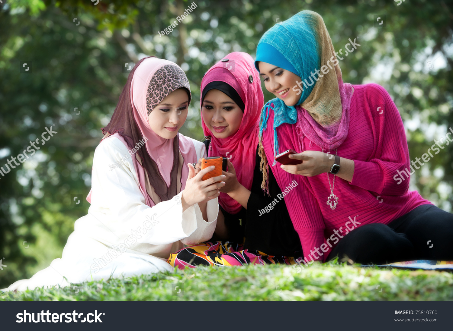 park falls single muslim girls Falling in love with muslim girl what on earth do i do when thinking about dating it is completely permissible for muslim men to marry non-muslim women.