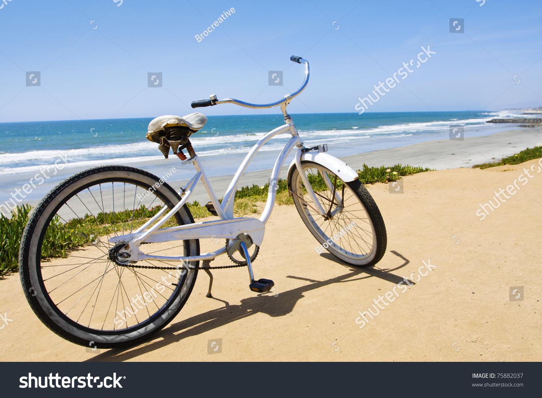 Vintage Beach Cruiser Bike Along California Stock Photo 75882037
